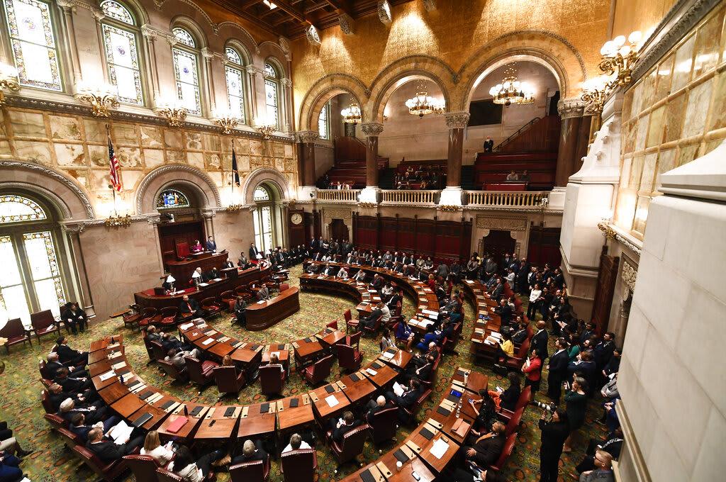 Demócratas de NY discuten sobre ayudas por desempleo para trabajadores indocumentados