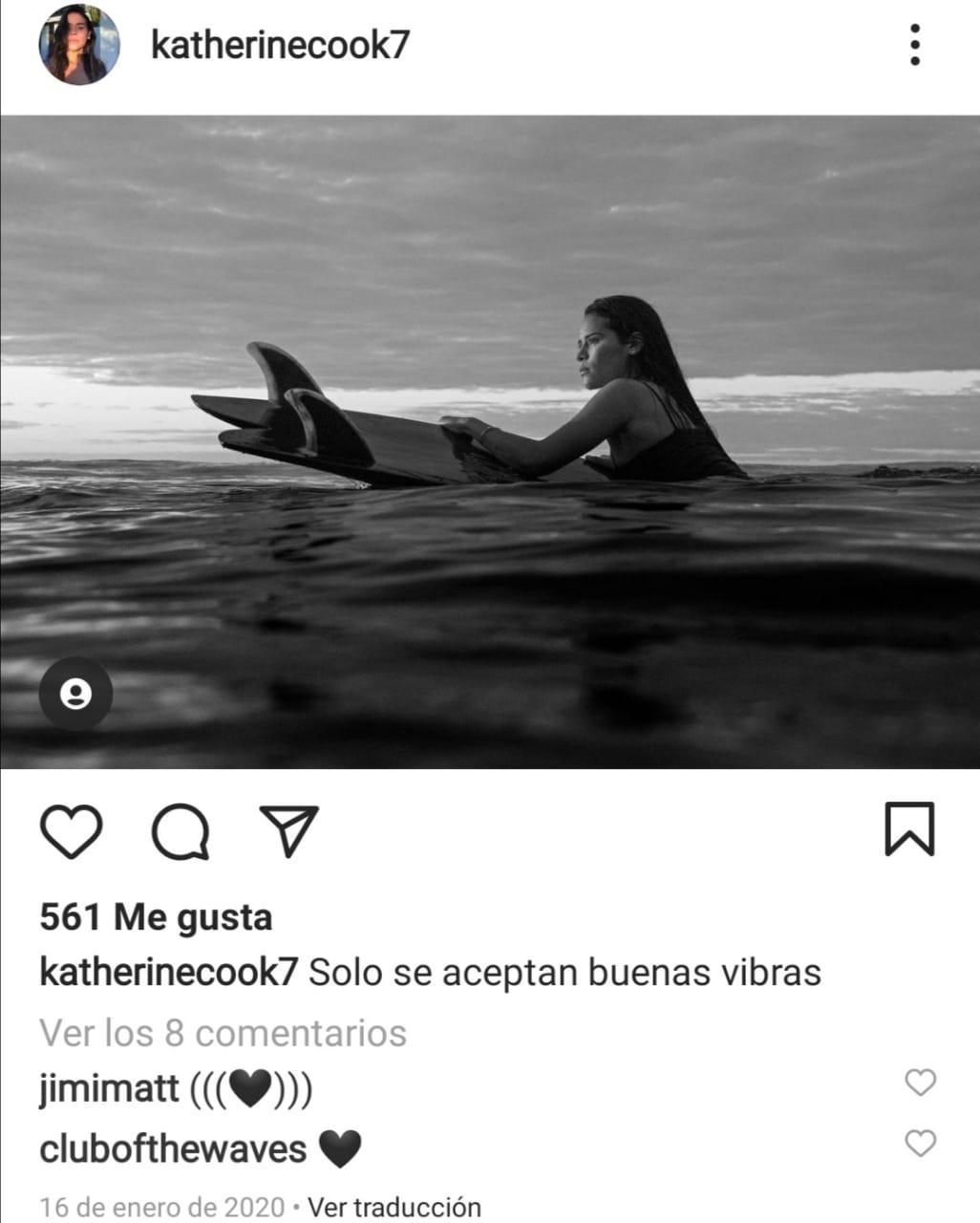 Surfista Katherine Díaz rayo