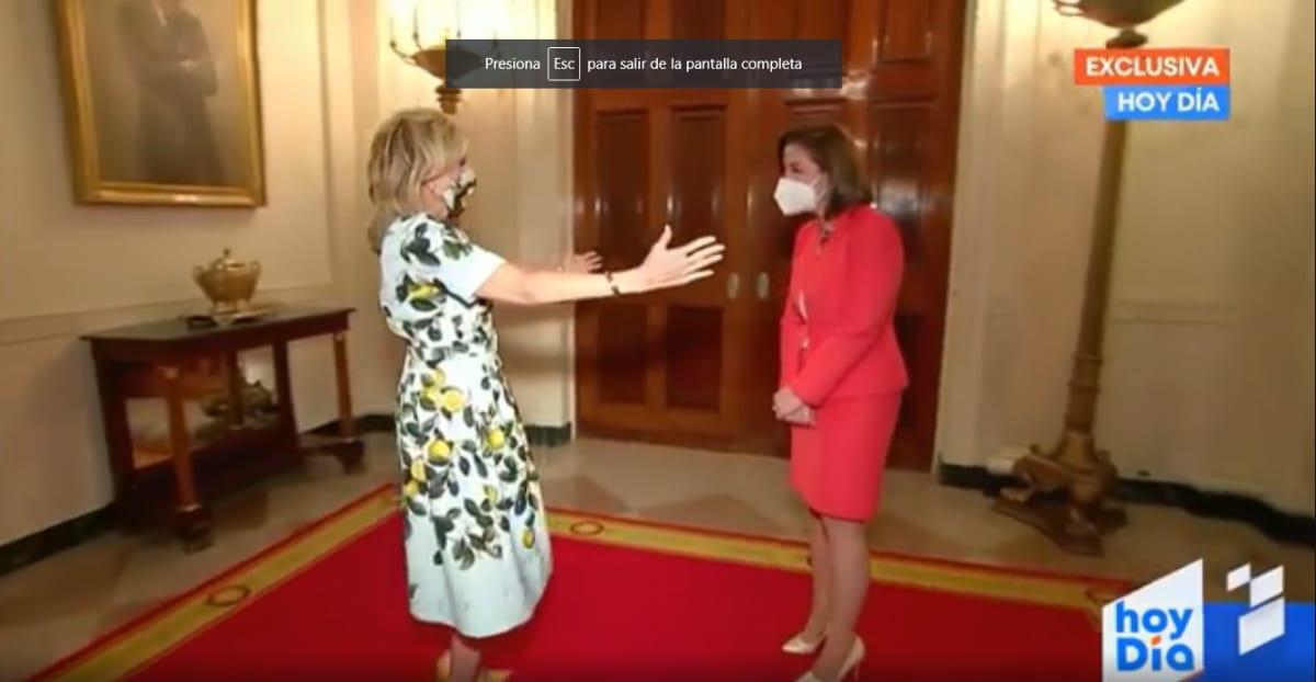 ¿Conductora de Telemundo le hace desaire a la primera dama Jill Biden?