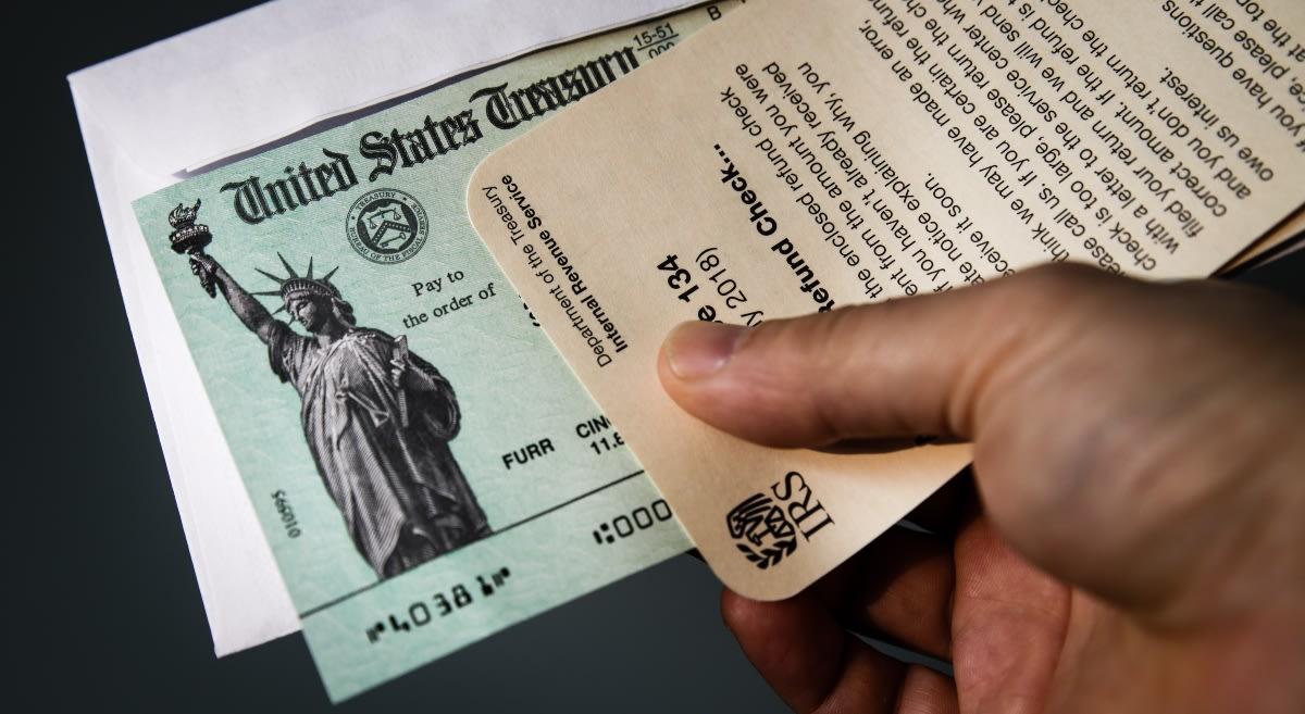 Cheques de ayuda en camino para quienes perdieron su empleo