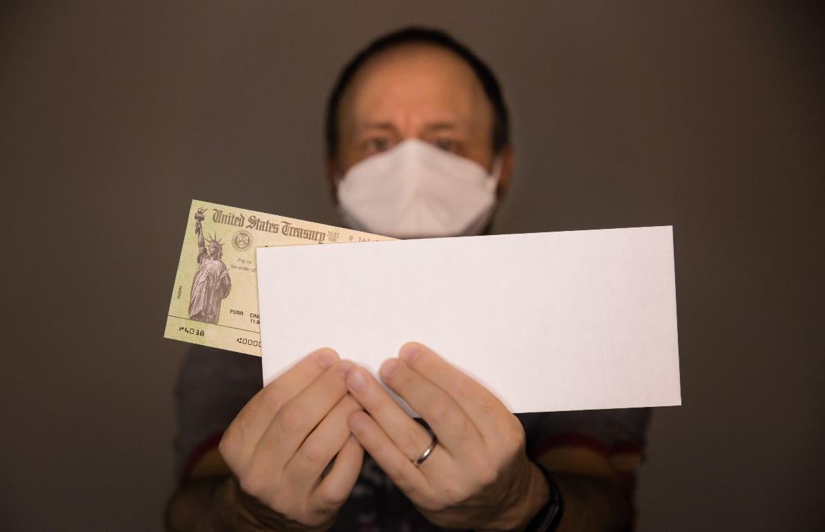 perder deudas tercer cheque