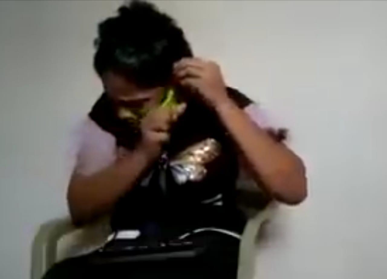Mujer cortar cabello infidelidad