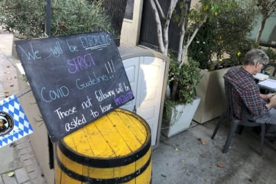 Pasadena mantiene abiertos restaurantes al aire libre