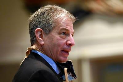 Hispano alcalde en Alaska despues de escándalo sexual