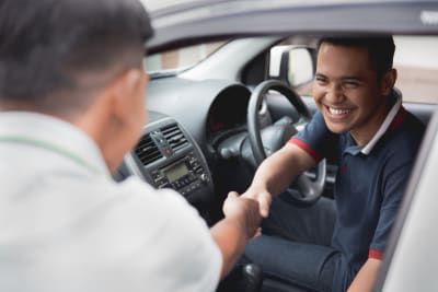 Licencia de conducir internacional en EE.UU. ¿cómo asegurar mi auto?