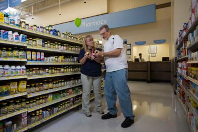 Walmart demanda opioides minorista