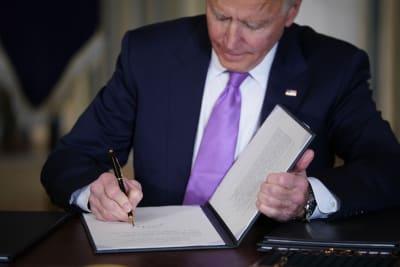 Biden advierte costo estímulo