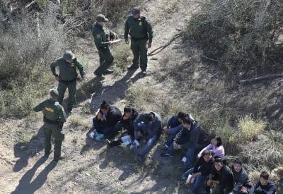 Biden no pidió dinero para el muro, pero sí para vigilancia en la frontera y trámites de USCIS