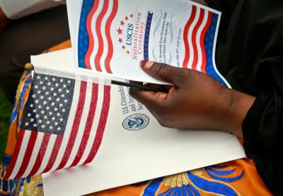 USCIS facilitará peticiones para extender beneficios migratorios
