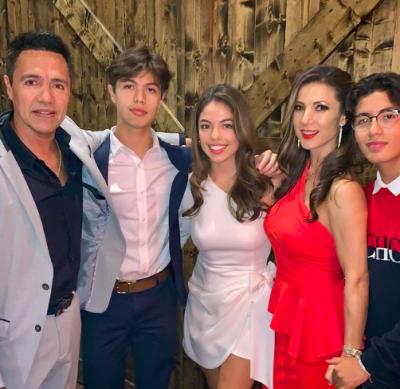 Priscila Ángel y su familia (IG)