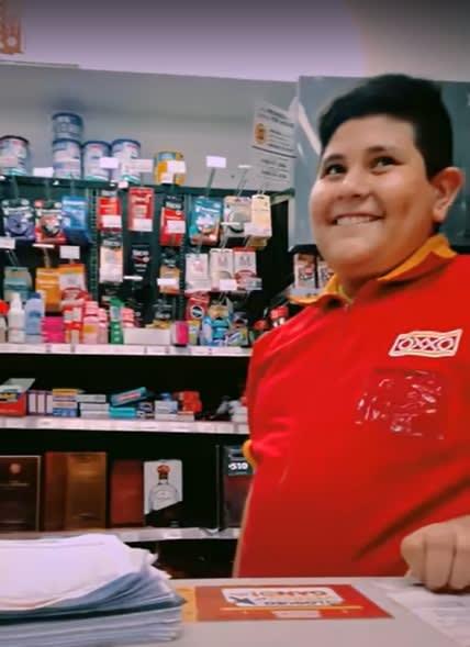 Niño del Oxxo, condones, viral