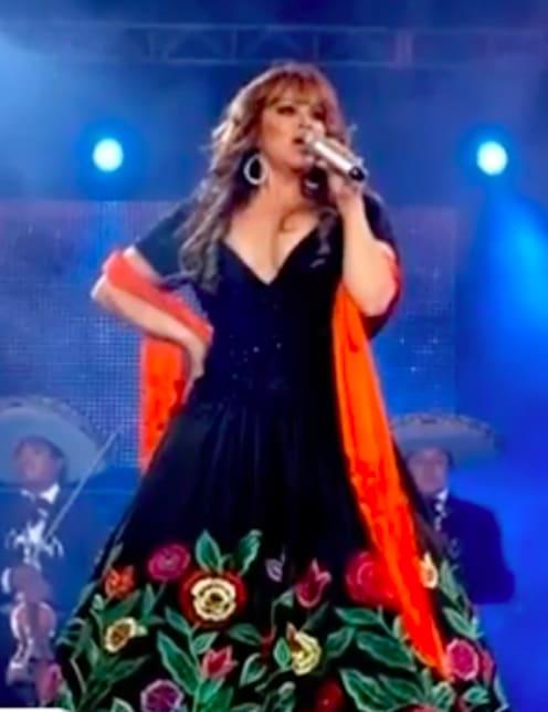 Muñeca llevaría vestidos épicos de la cantante (IG)