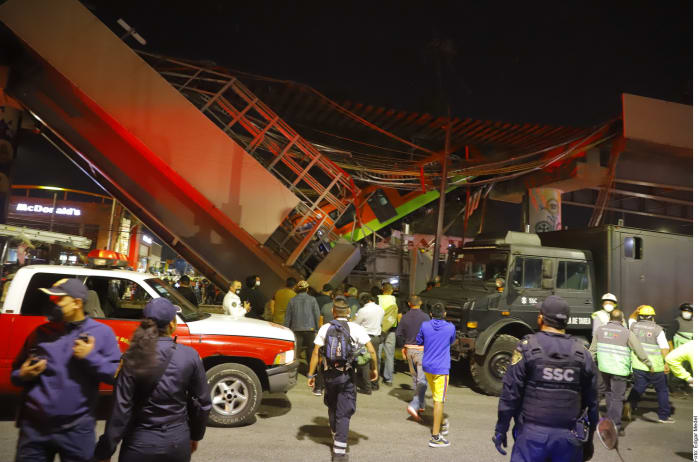 Mexico AMLO mourning Metro