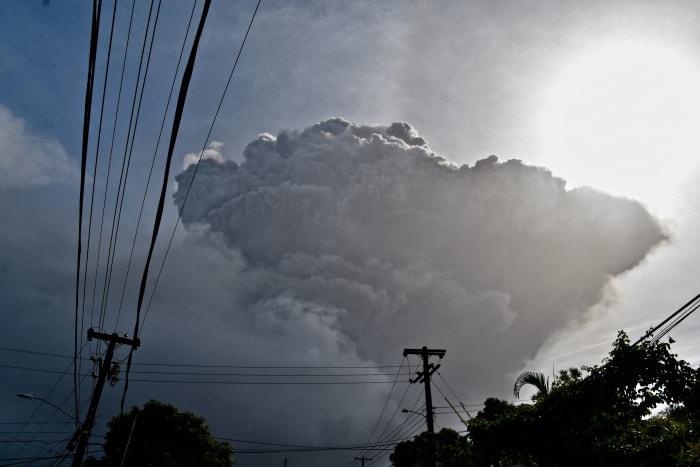 La Soufriere volcano eruption