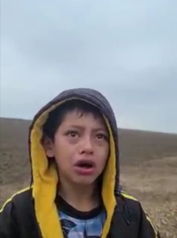Niño migrante frontera