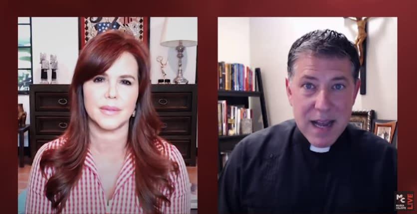 Padre Alberto se confiesa con María Celeste y ponen en duda su honestidad