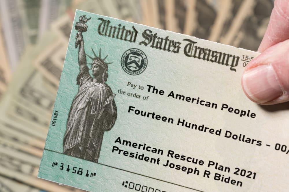 ¿A qué beneficiarios del Seguro Social enviaron ya el tercer cheque de ayuda?