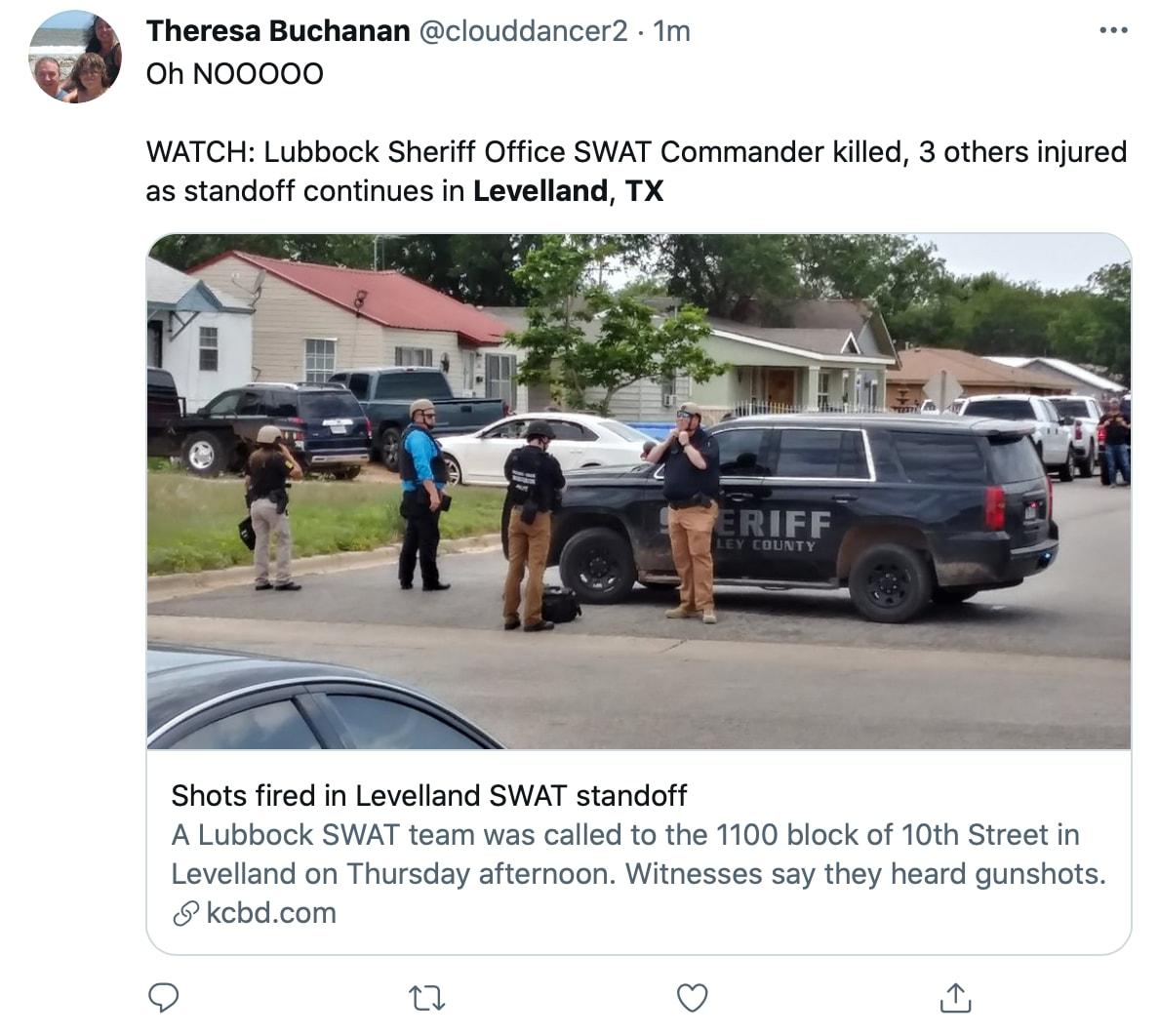 Agentes federales acuden a la escena del tiroteo en Texas