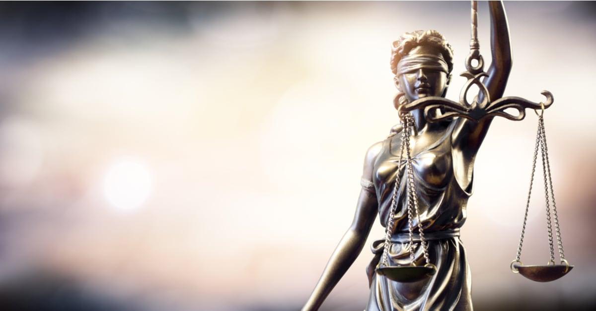 Estatua que representa la ley y la justicia