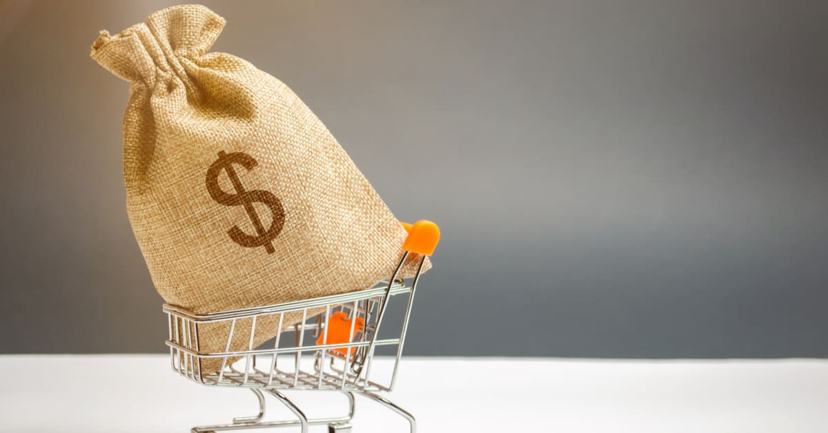 certificados de deposito Money bag in supermarket trolley and dollar sign. Money Management. Money market. Sale, discounts and low prices.