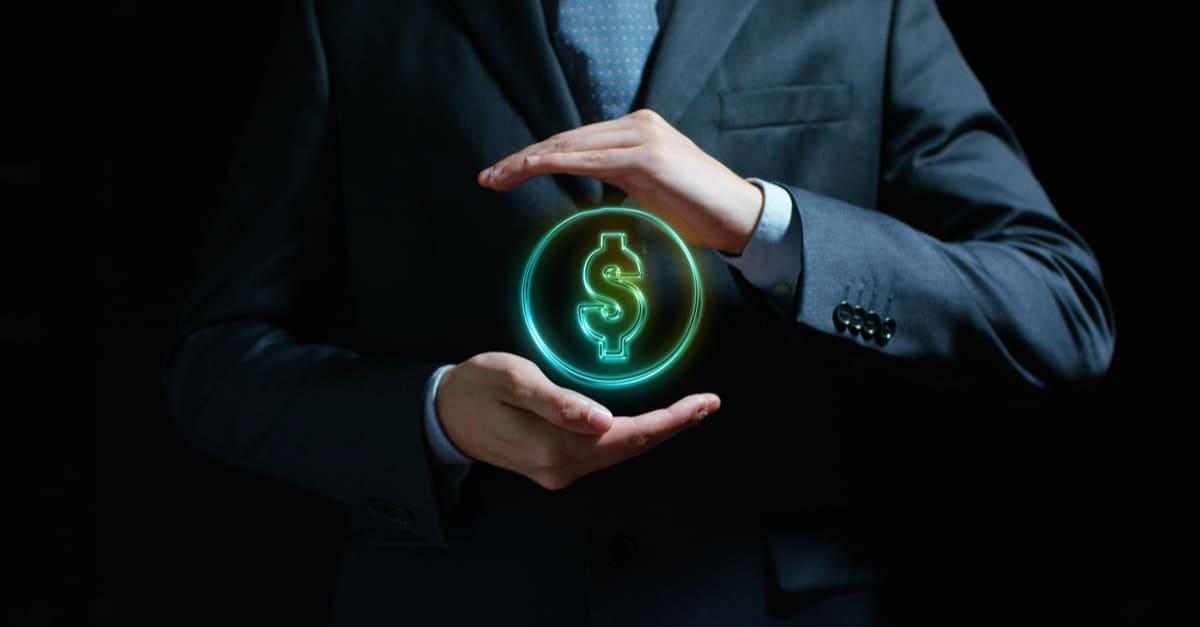 Dólar en manos de un vendedor experimentado, un banco o un corredor de seguros Concepto_ para la inversión y los ingresos pasivos, para la jubilación y las rentas certificados de deposito