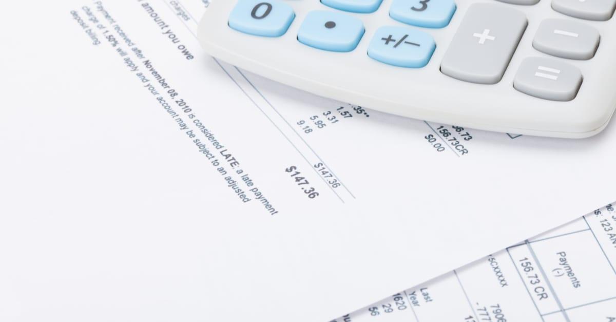 Facturas de suscripciones mensuales y otros gastos