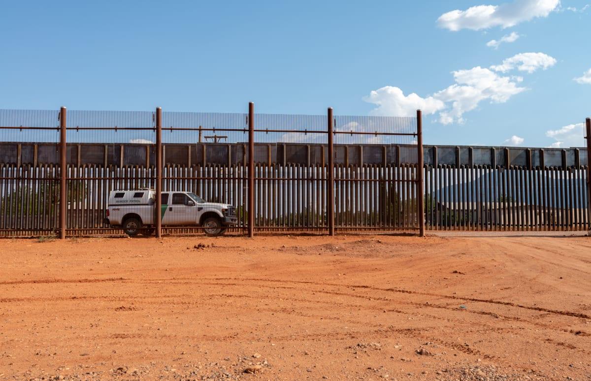 Gobierno de Biden gasta millonaria cantidad para parar construcción muro