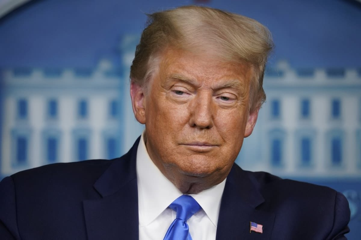 Trump rompe el silencio tras acusaciones contra sus empresas