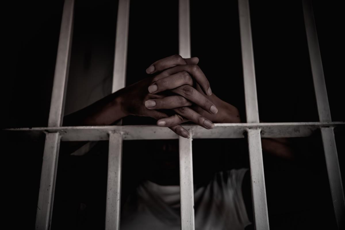 hispano torturó y decapitó