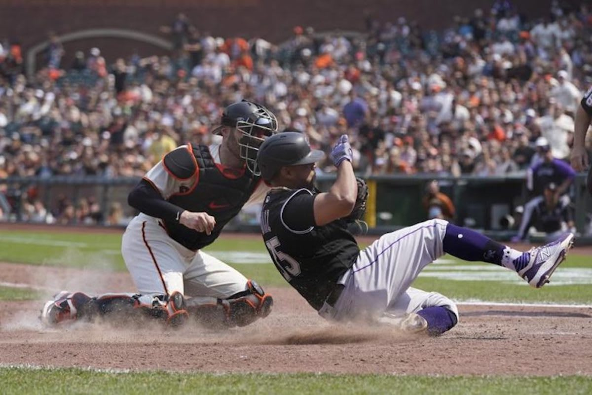 San Francisco Giants hold off West Division rivals