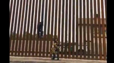 California. Migrante saltó el nuevo muro de Trump en la cara de un Border