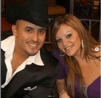 Publica un álbum; Juan Rivera comparte fotos inéditas de su hermana Jenni