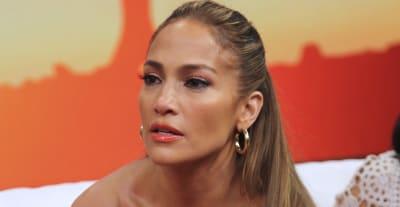 Jennifer López 'cacheteó' a conductor de Un Nuevo Día (VIDEO)