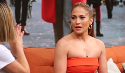 ¡Sexy Jennifer Lopez! JLo conmociona las redes al aparecer con ropa transparente
