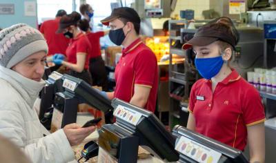 McDonald's y Chipotle exigirán el uso de mascarillas en sus restaurantes