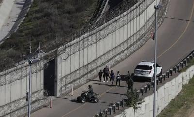 Corte Suprema decide que no detendrá proyectos de muro fronterizo