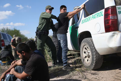 Gobierno aprueba almacenar muestras de ADN de los indocumentados detenidos