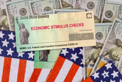 Entregan nueva ronda de pagos de cheques de $600 en California