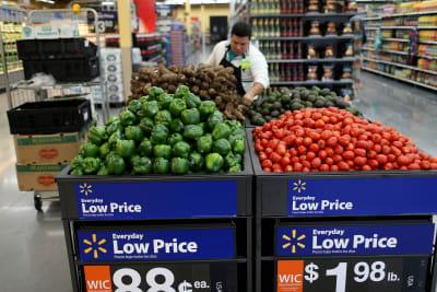 Walmart está retirando popular producto por riesgo de salmonella y listeria