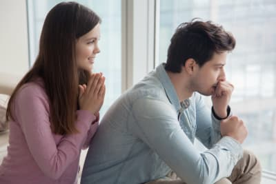 No quiere ir al médico: 5 formas de convencer a tu hombre de que DEBE hacerlo