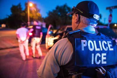 ICE arrestan a latinos