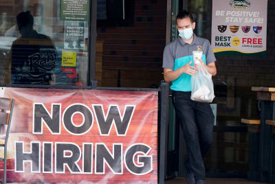 Desempleo baja en octubre al 6,9 % y se crean casi 700,000 empleos