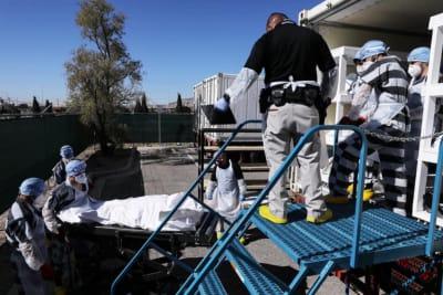 Texas: Reos en El Paso ayudan a mover cadáveres del coronavirus.