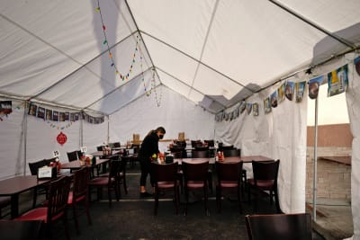 Restaurantes sin comedor: Prohiben en Los Angeles el servicio