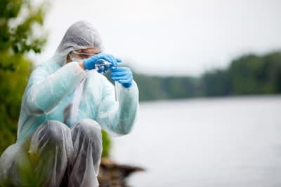 Hacker Florida Agua, contaminar