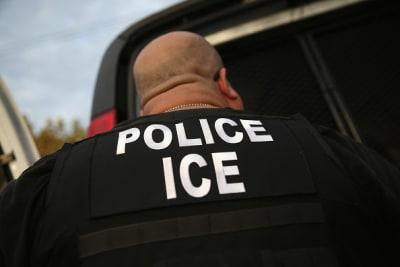 Nueva ley separa a policía de Illinois de las acciones de ICE contra inmigrantes