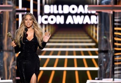 Honoree-Mariah-Carey-accepts-the-Icon-Award-onstage-during-the-2019-Billboard-Music-Awards-at-MGM-Grand