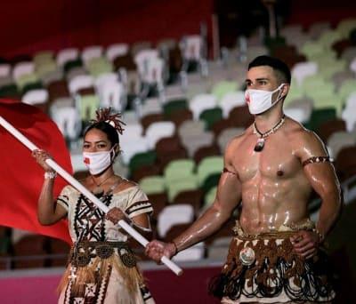 """Pita Taufatofua, el atleta que """"encendió los Juegos Olímpicos"""