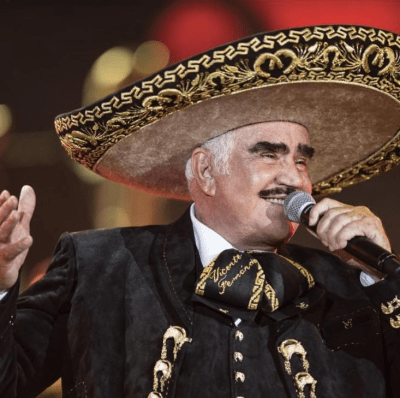 Vicente Fernández in the hospital