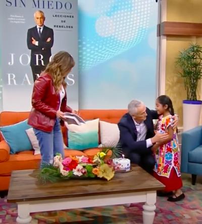 El periodista conoció a una niña hispana